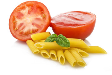 souce tomatoes with basil and maccaroni
