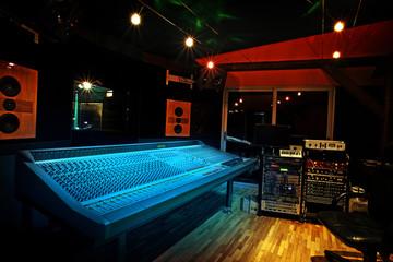 Spoed Foto op Canvas Muziekwinkel Mixing console in recording studio