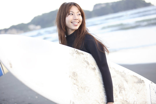 江ノ島のサーファー