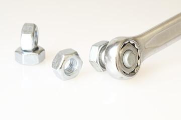 Ringschlüssel mit Schrauben