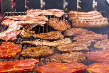 Holzkohlegrill, Barbecue, Fleisch