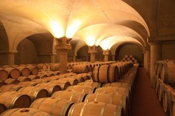 Wall Mural - Weinkeller Barrique Rotwein Holzfässer Piemont, Italien