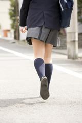 女子中学生の足元