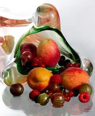 berries in a vase3