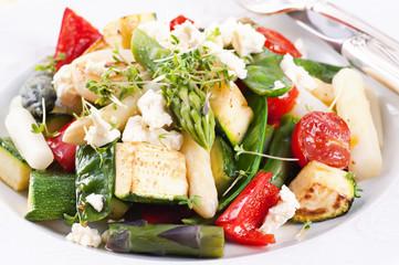 Warmer Salat mit Feta