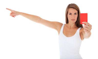 Attraktive junge Frau zeigt die rote Karte