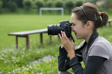 brunette girl photographer