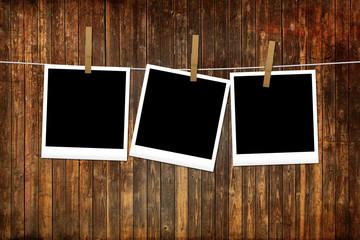 Tavole di legno - texture con polaroid appese personalizzabili