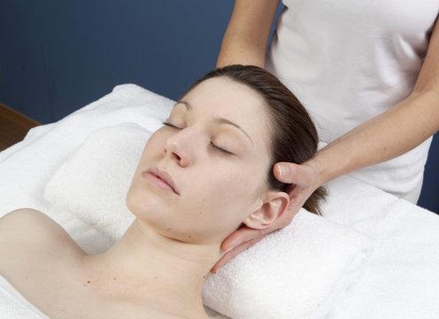 siro vasti massage du crâne