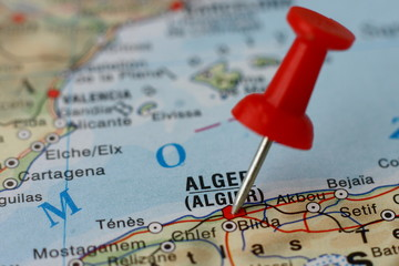 Zelfklevend Fotobehang Algerije Pushpin on the map - Algiers, Algieria