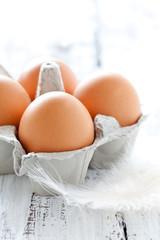 Eier in Eierpackung