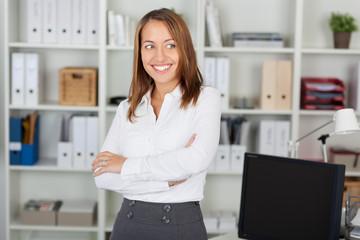 motivierte junge karrierefrau
