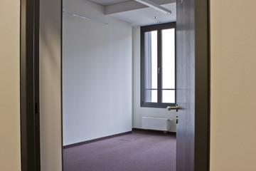Zimmer Raum Büro leer ohne Möbel