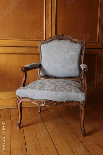 fauteuil ancien louis xv cabriolet photo libre de droits sur la banque d 39 images. Black Bedroom Furniture Sets. Home Design Ideas