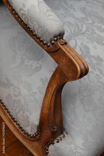accoudoir fauteuil ancien louis xv cabriolet photo libre de droits sur la banque d 39 images. Black Bedroom Furniture Sets. Home Design Ideas