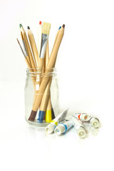 farbige Holzstifte / colored wooden pens