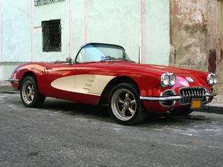 Photo sur Aluminium Voitures de Cuba Old sport car in Havana