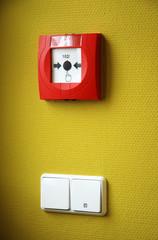 Lichtschalter und Feueralarm