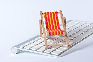Tastatur mit Liegestuhl