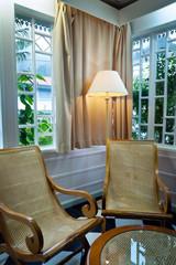 Salon intérieur case créole traditionnelle