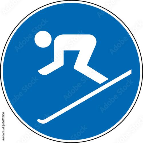 gebotszeichen ski fahren erlaubt gestattet schild zeichen. Black Bedroom Furniture Sets. Home Design Ideas