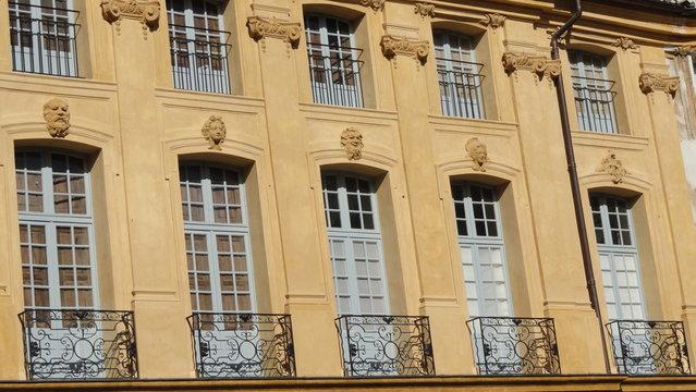 Façade d'une bâtisse place d'Albertas - Aix-en-Provence