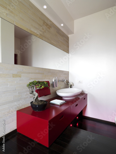 Mobile per lavabo rosso in bagno moderno stockfotos und lizenzfreie bilder auf - Bagno moderno rosso ...