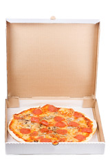 Fototapete - pepperoni pizza in open paper box