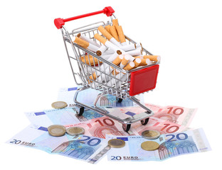 Poster Einkaufswagen gefüllt mit Zigaretten