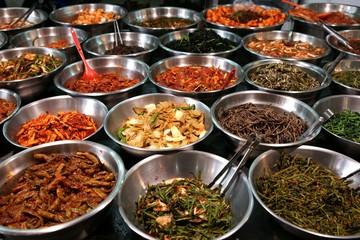 Fotobehang Seoel Bowls of kimchi on a Korean traditonal food market