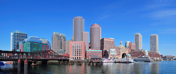 Fotomurales - Boston skyline over water