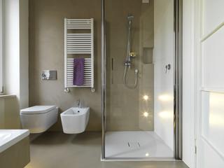 Bagni Con Doccia Senza Piatto : Bagno con box doccia in muratura: immagini stock bambù bagno con box