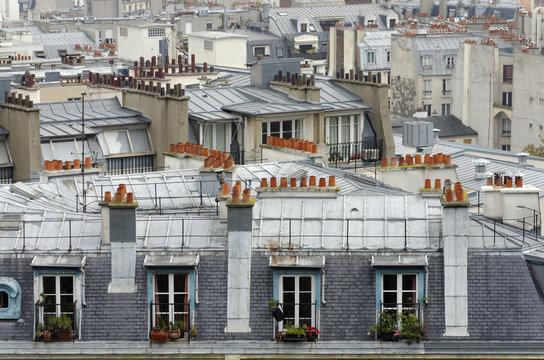 chambres sous les toits  à Paris