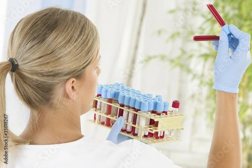 u0026quot technicienne de laboratoire d u0026 39 analyses m u00e9dicales u0026quot  photo
