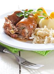 frische Rouladen mit Sauerkraut