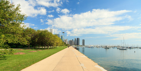 Lake Michigan lakeshore trail in Chicago