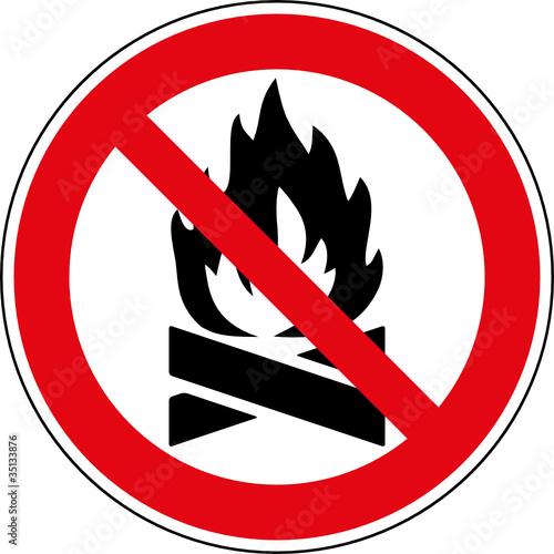 verbotsschild kein offenes feuer keine feuerstelle stockfotos und lizenzfreie vektoren auf. Black Bedroom Furniture Sets. Home Design Ideas