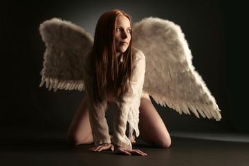Engel mit roten Haaren
