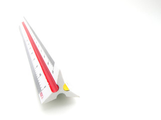 Scale moulding ruler and drawing pen