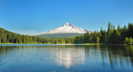 Trillium Lake and Mont hood