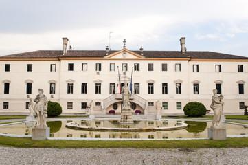 Treviso (Veneto, Italy) - Ancient villa and park with fountain