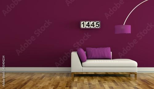 wohndesign sofa vor lila wand stockfotos und lizenzfreie bilder auf bild 35404234. Black Bedroom Furniture Sets. Home Design Ideas