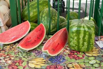 Melonen in Würfelform