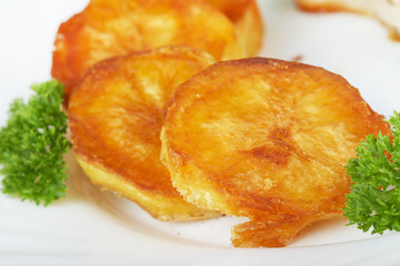 Garnish. Fried potatoes