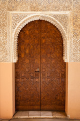 Wall Mural - Alhambra de Granada. Ornated door in the Court of the Lions