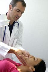 médecin auscultation