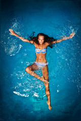 Photo sur Aluminium Mermaid Bathing in blue.