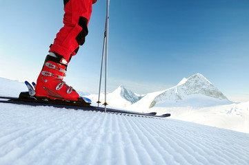 Fototapeta skier on an untouched ski track obraz