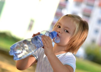 bébé a soif