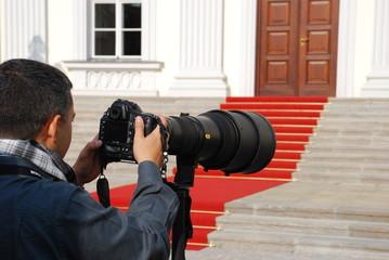 Fotograf vor Schloss Bellevue